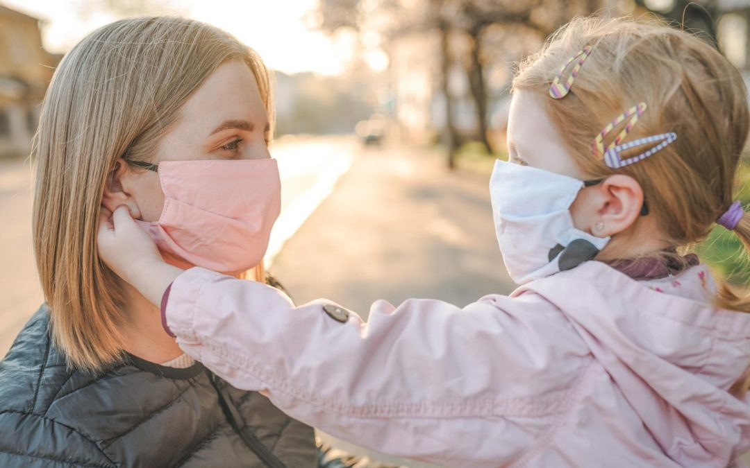 8 Tips To Improve Communication With Your Child While Wearing A Mask